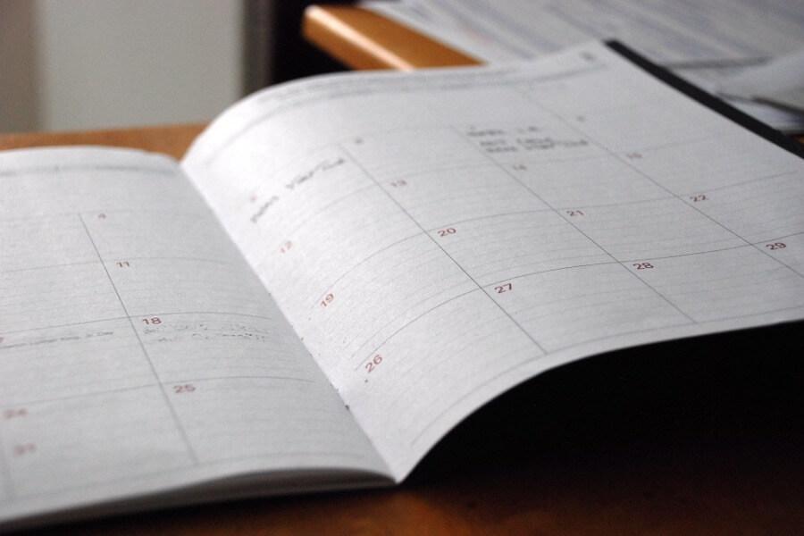 Kocarek Gmbh Fachuebersetzungen Monatsnamen - Juli bis Dezember